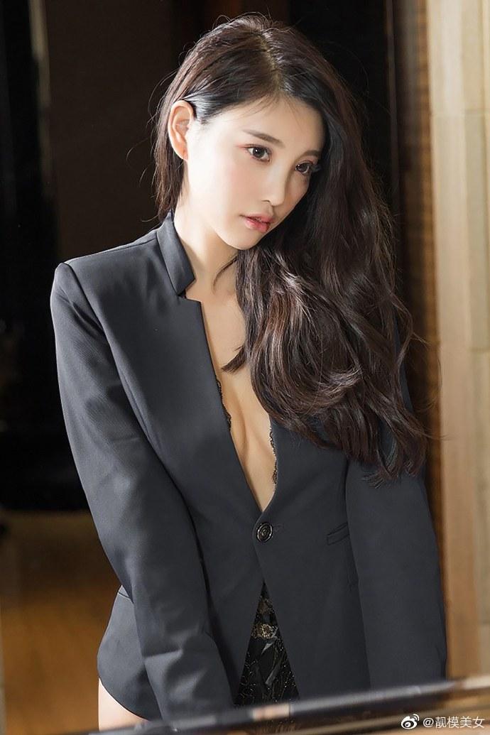 1018杨晨晨诱惑营养快线图